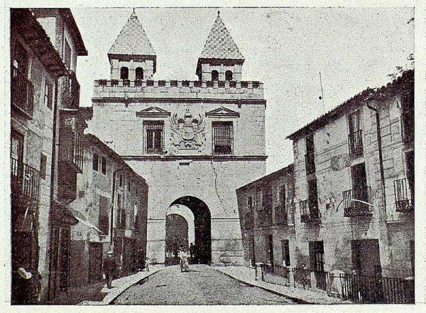 024_TRA-1927-240-Puerta de Visagra
