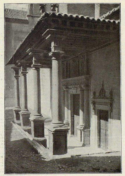 0254_TRA-1926-229-Convento de Santo Domingo el Real, pórtico-Foto Clavería