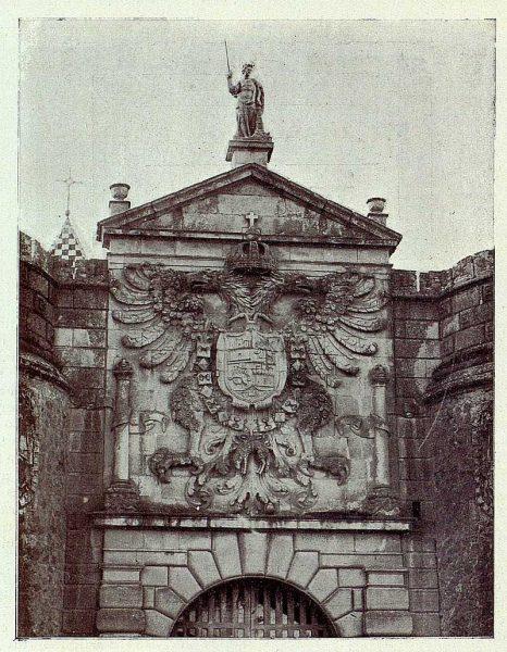 027_TRA-1927-241-Puerta de Bisagra, escudo