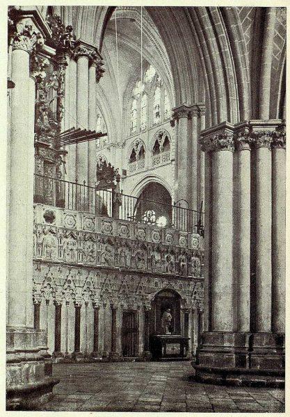 0282_TRA-1927-247-Catedral, exterior del Coro-Foto Clavería