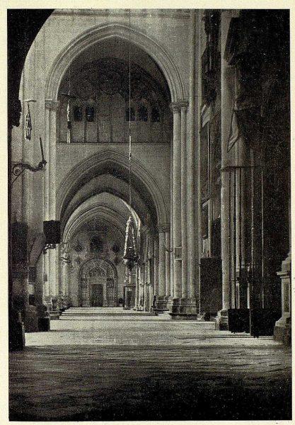 0283_TRA-1927-247-Catedral, nave de la capilla del Tesoro-Foto Clavería
