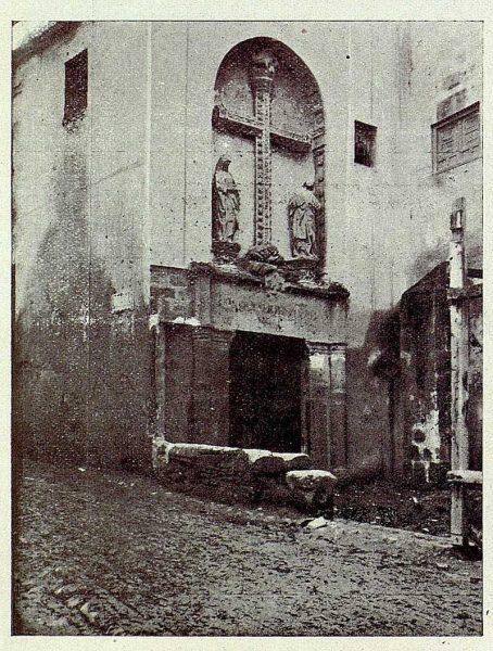 029_TRA-1926-236-Puerta del Pelícano-Foto Román
