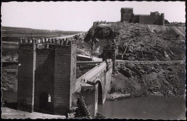 03 - 1952-11-00 - 009 - Toledo - Puente de Alcántara y castillo de San Servando