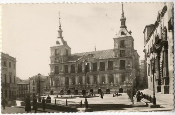 03 - 1952-11-00 - 110 - Toledo - Ayuntamiento