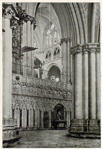 0337_TRA-1930-279-Catedral, exterior del Coro-Foto Clavería