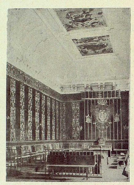 033_TRA-1930-277-Ayuntamiento, Sala Capitular