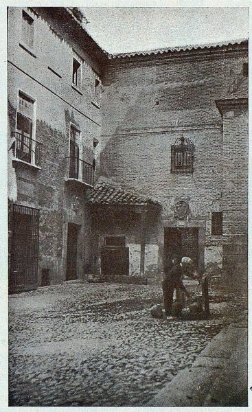 0395_TRA-1924-208-Plaza de las Capuchinas-Foto Goitia