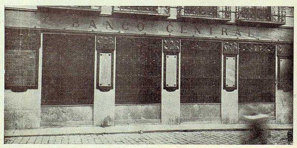 039_TRA-1923-192-Banco Central, detalle de la fachada-Foto Rodríguez