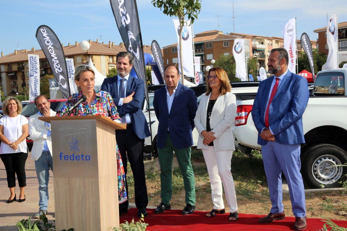 https://www.toledo.es/wp-content/uploads/2019/10/03_feria_automovil-1200x800.jpg. La alcaldesa destaca la trayectoria de la Feria del Vehículo de Ocasión y la importancia del sector para el desarrollo económico