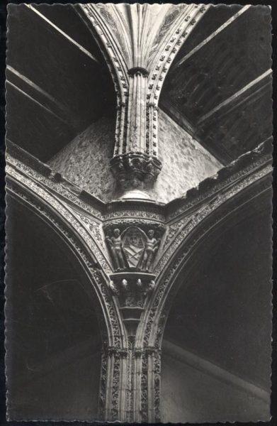 04 - 1947-07-00 - 047 - Toledo - Santa Cruz. Detalle arquitectónico