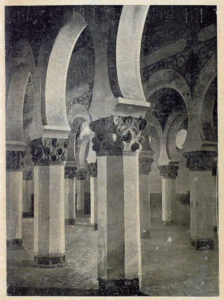 0406_TRA-1920-146-Interior de Santa María la Blanca-Foto González Nieto