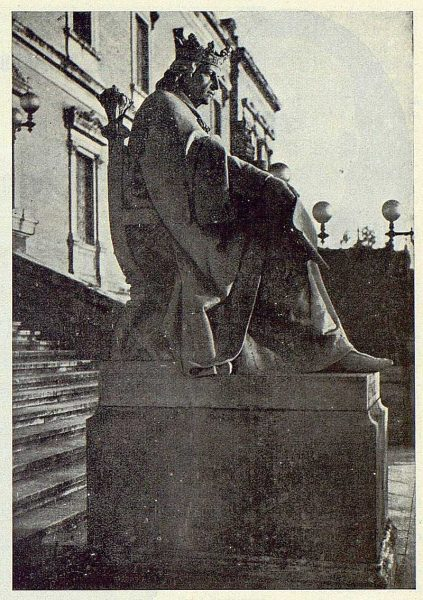 0413_TRA-1924-205-Estatua de Alfonso X el Sabio-Foto de Irumberri