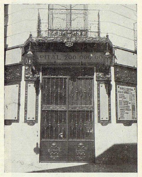 041_TRA-1923-192-Banco Central, puerta principal-Foto Rodríguez