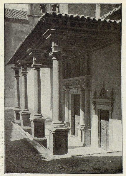 043_TRA-1926-229-Convento de Santo Domingo el Real, pórtico-Foto Clavería