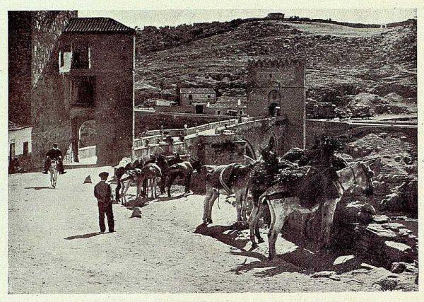 043_TRA-1926-234-Puente de San Martín-02-Foto Clavería