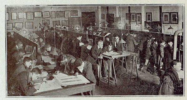 0461_TRA-1921-165-Escuela de Artes y Oficios, taller de dibujo lineal-Foto Rodríguez