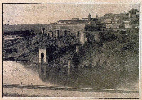049_TRA-1920-157-Las murallas y el Baño de la Cava-Foto Camarasa