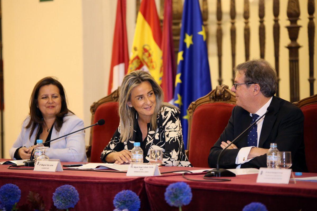 http://www.toledo.es/wp-content/uploads/2019/10/04_congreso_humanidades_digitales-1200x800.jpg. Milagros Tolón ensalza el patrimonio bibliográfico y documental de Toledo en el IV Congreso Internacional de Humanidades Digitales