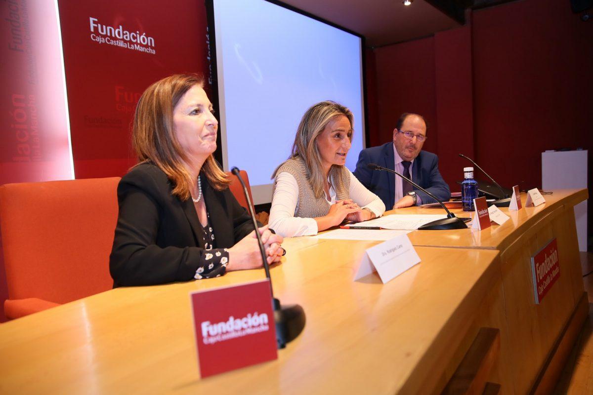 http://www.toledo.es/wp-content/uploads/2019/10/04_jornadas_prevencion_mental-1200x800.jpg. Milagros Tolón aboga por la visibilidad de la salud mental para alcanzar la normalización de esta área sanitaria en la sociedad
