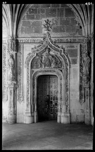 05 - 1958-06-00 - 106 - Toledo - San Juan de los Reyes. Puerta del Claustro