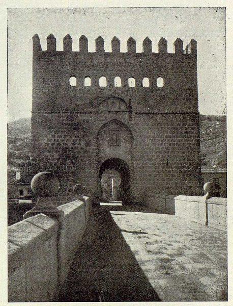 051_TRA-1929-263-Restauración de monumentos, descubiertas de almenas y ventanas-Foto Rodríguez