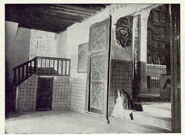 0527_TRA-1922-190-Interior de un convento-Foto Rodríguez
