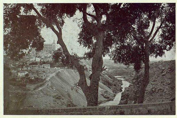 0546_TRA-1923-193-Ermita de la Virgen del Valle, vista desde los almacigos-Foto Rodríguez