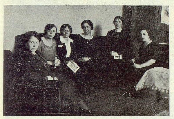 0557_TRA-1923-194-Escuela Normal de Maestras, grupo de profesoras honorarias-Foto Rodríguez