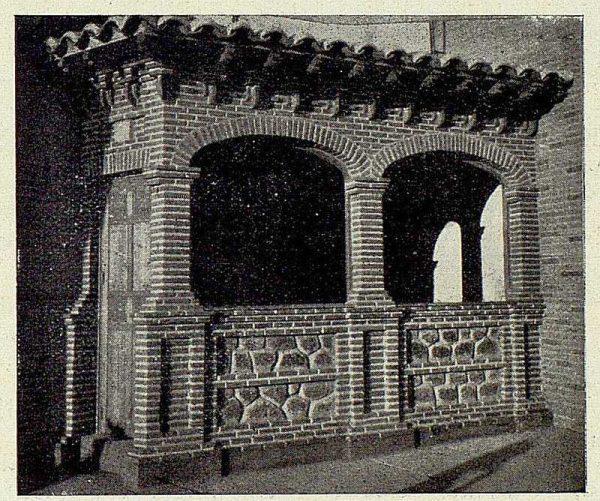 057_TRA-1926-232-Ermita de la Virgen del Valle, detalle