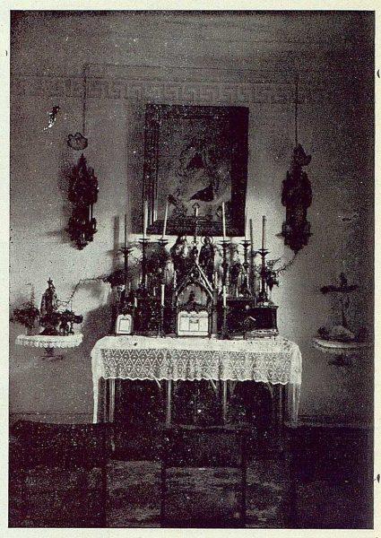 058_TRA-1923-196-Casa Aguanel, de los marqueses de Linares, capilla-Foto Rodríguez
