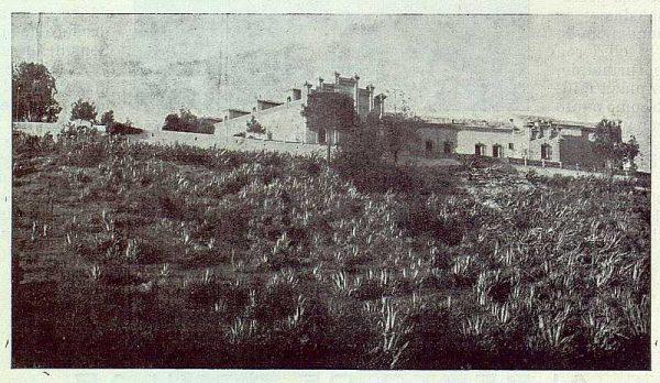 0595_TRA-1924-203-Palacio de Higares de los Duques de la Vega, exterior del Palacio-Foto Rodríguez
