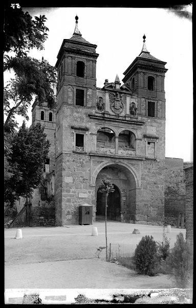 06 - 1947-07-00 - 057 - Toledo - Puerta del Cambrón
