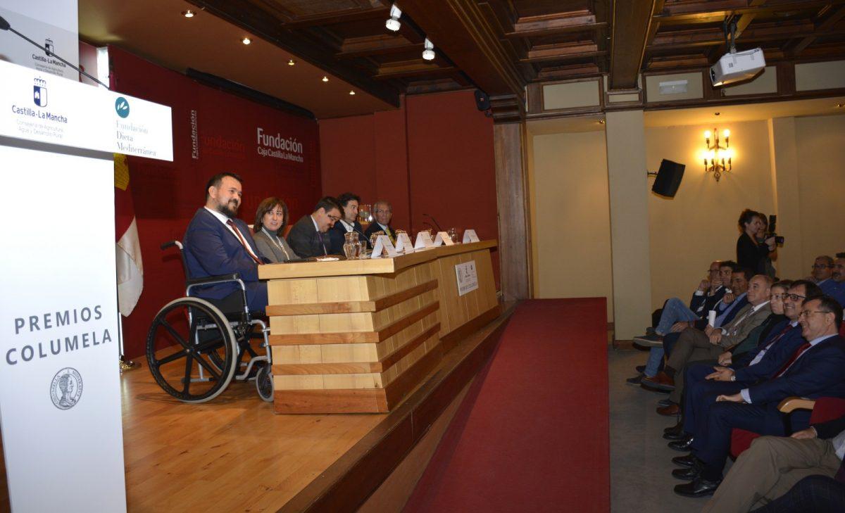 https://www.toledo.es/wp-content/uploads/2019/10/06-premios-columela-1200x729.jpg. El Ayuntamiento traslada su felicitación a los embajadores de la Dieta Mediterránea: Bahamontes, Rodríguez y Amores