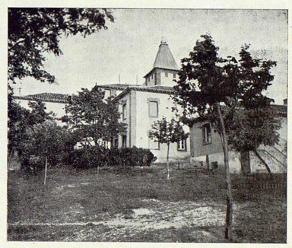 060_TRA-1923-196-Casa Aguanel, de los marqueses de Linares, jardines y parte posterior de la casa-Foto Rodríguez