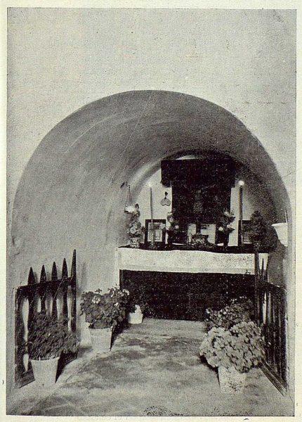 062_TRA-1923-199-Ermita de Nuestra Señora de la Bastida, la cueva de Cristo