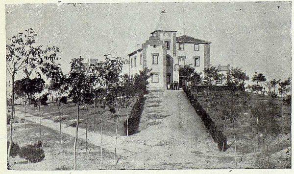 063_TRA-1923-196-Casa Aguanel, de los marqueses de Linares, vista general de la casa-Foto Rodríguez