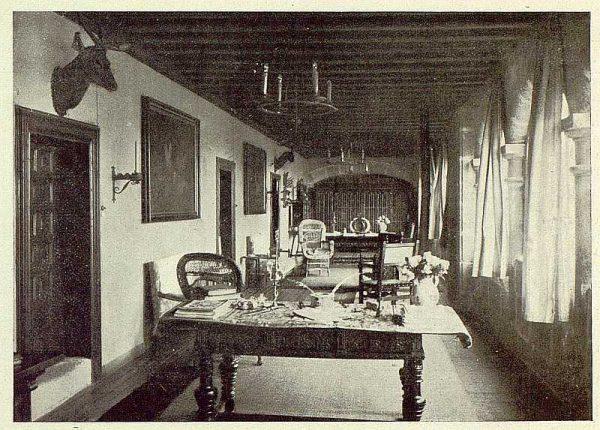 0665_TRA-1925-222-Palacio de Guisando, una de las galerías-Foto Rodríguez