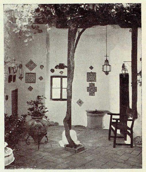 067_TRA-1926-228-Casa de Angel Vegue Goldoni, patio clásico-Foto Rodríguez