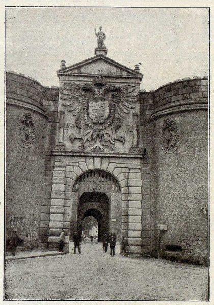 0693_TRA-1926-228-Puerta de Visagra-Foto Rodríguez