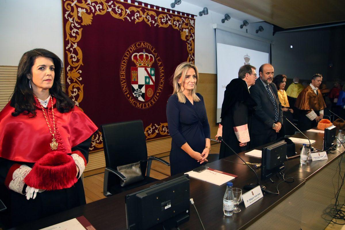 """http://www.toledo.es/wp-content/uploads/2019/10/06_apertura_curso_academico-1200x800.jpg. Milagros Tolón celebra que la UCLM """"dé un paso más en su crecimiento"""" en Toledo con el nuevo grado de Ingeniería Aeroespacial"""