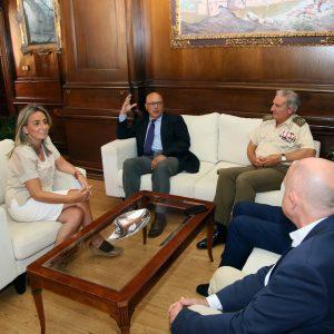 eunión de la alcaldesa de Toledo con el Secretario de Estado de Defensa, Ángel Olivares