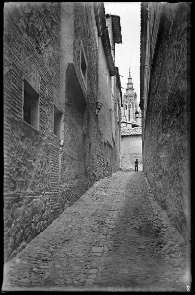 07 - 1958-06-00 - 008 - Toledo - Calle típica [Callejón de Santa Úrsula]