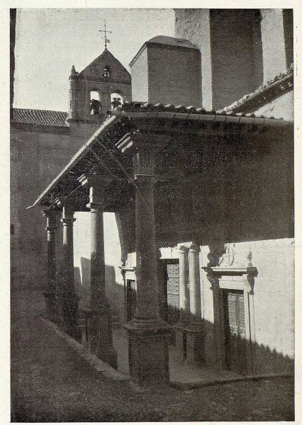 0702_TRA-1926-237-Convento de Santo Domingo el Real, pórtico-Foto Rodríguez