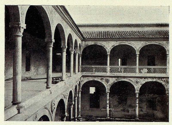 0723_TRA-1927-243-Hospital de Santa Cruz, rehabilitación del patio-Foto Rodríguez