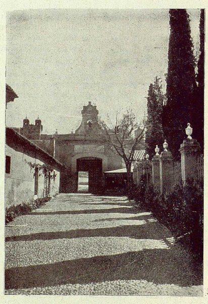 073_TRA-1929-274-Ermita del Cristo de la Vega, patio empredado-Foto Rodríguez