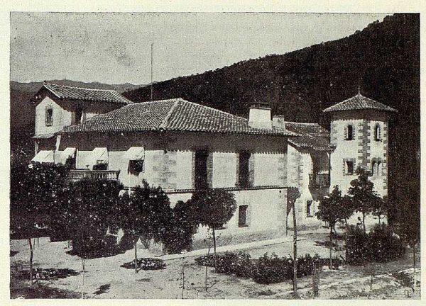 0744_TRA-1927-249-Mansión Los Barreros de Pedro Cifuentes, fachada-Foto Rodríguez