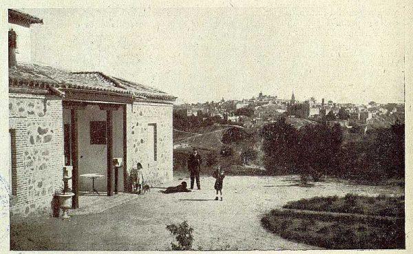 076_TRA-1921-176-Casa de El Bosque, fachada