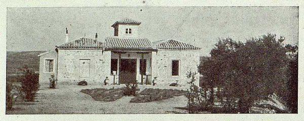 077_TRA-1921-176-Casa de El Bosque, jardín de entrada