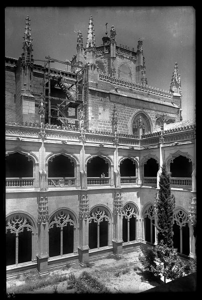 08 - 1958-06-00 - 054_2 - Toledo - San Juan de los Reyes. Claustro