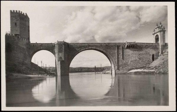 08 - 1958-06-00 - 115 - Toledo - Puente de Alcántara sobre el río Tajo